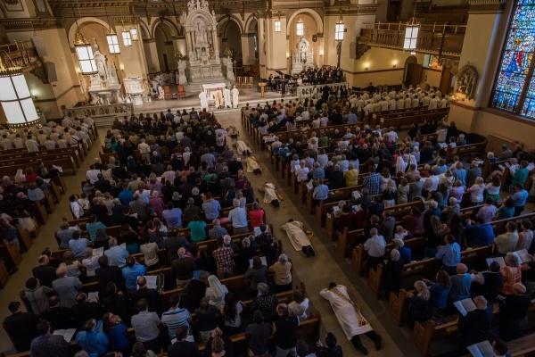 06112016-Jesuit Ordination-Bos1061