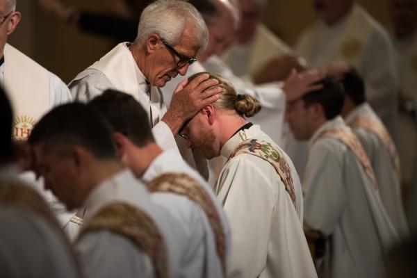 06112016-Jesuit Ordination-Bos1071
